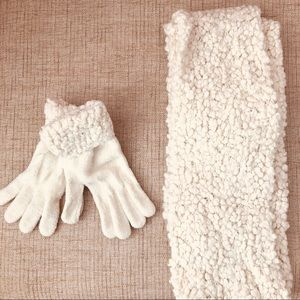 Scarf and glove set